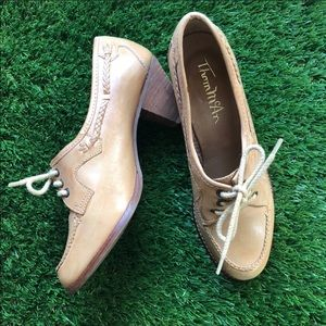 Vintage💕Leather Thom McAn Leather Heeled Shoes